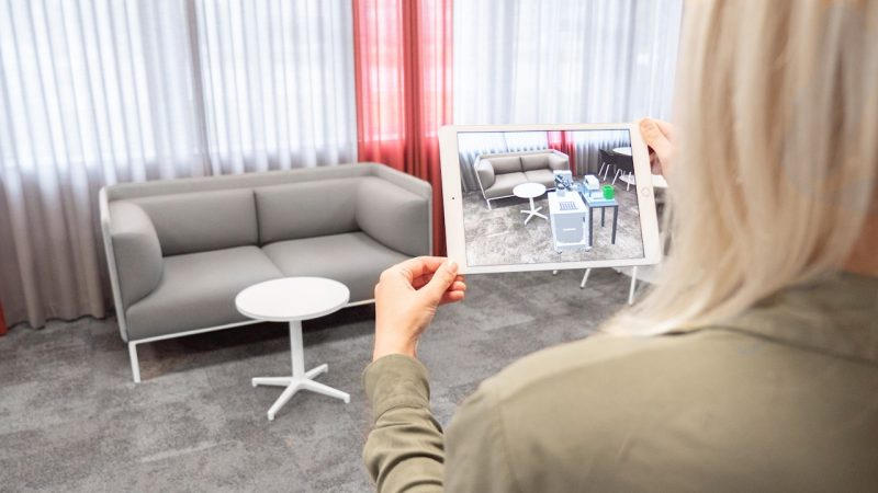 ABB porta la realtà aumentata sullo smartphone per semplificare l'installazione dei robot