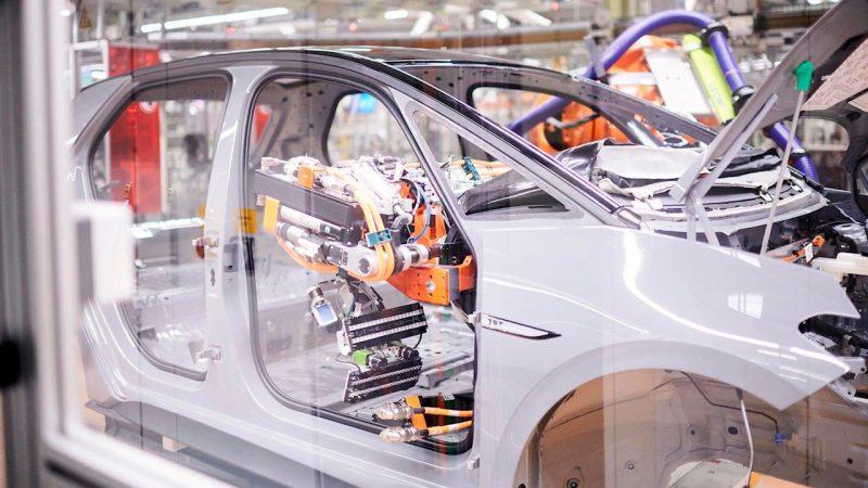 ABB Dynamic Assembly Pack per le applicazioni di allestimento e assemblaggio finale degli autoveicoli