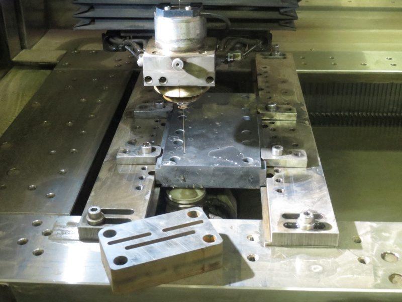 Come ottenere la massima efficienza nell'elettroerosione a filo