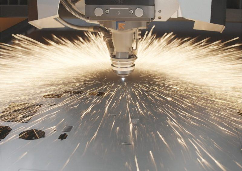 Con Laser Genius+ il taglio 2D è (anche) una questione di testa