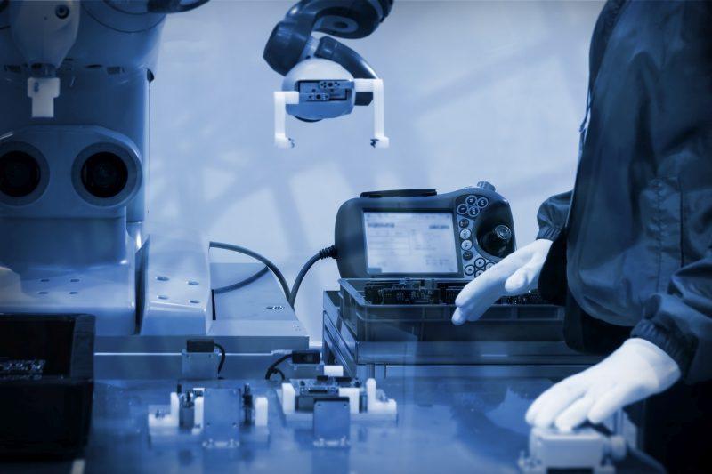 Cobots: cosa sono e che vantaggi offrono i robot collaborativi