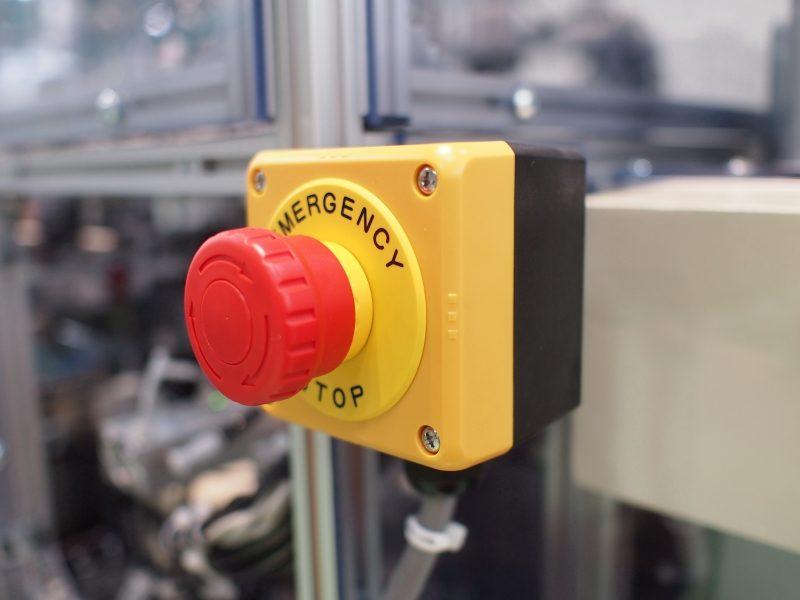 Sicurezza macchinari in officina, dalla Direttiva Macchine al Marchio CE